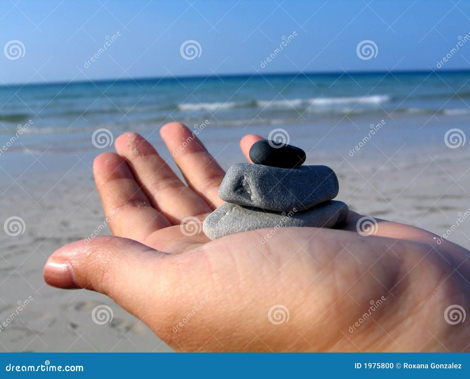 Plażowi kamienie