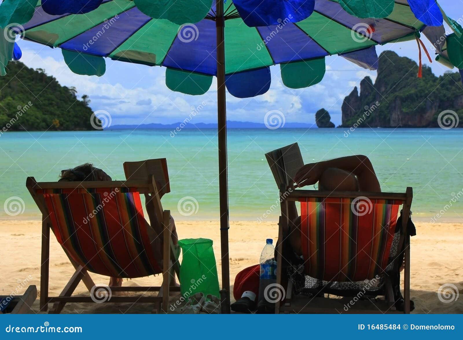 Plażowy czytanie