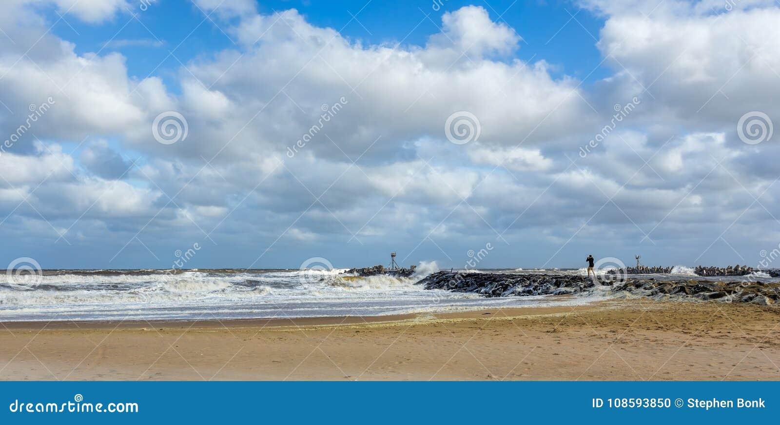 Plażowy Nowy - dżersejowy brzeg przy Manasquan wpustem