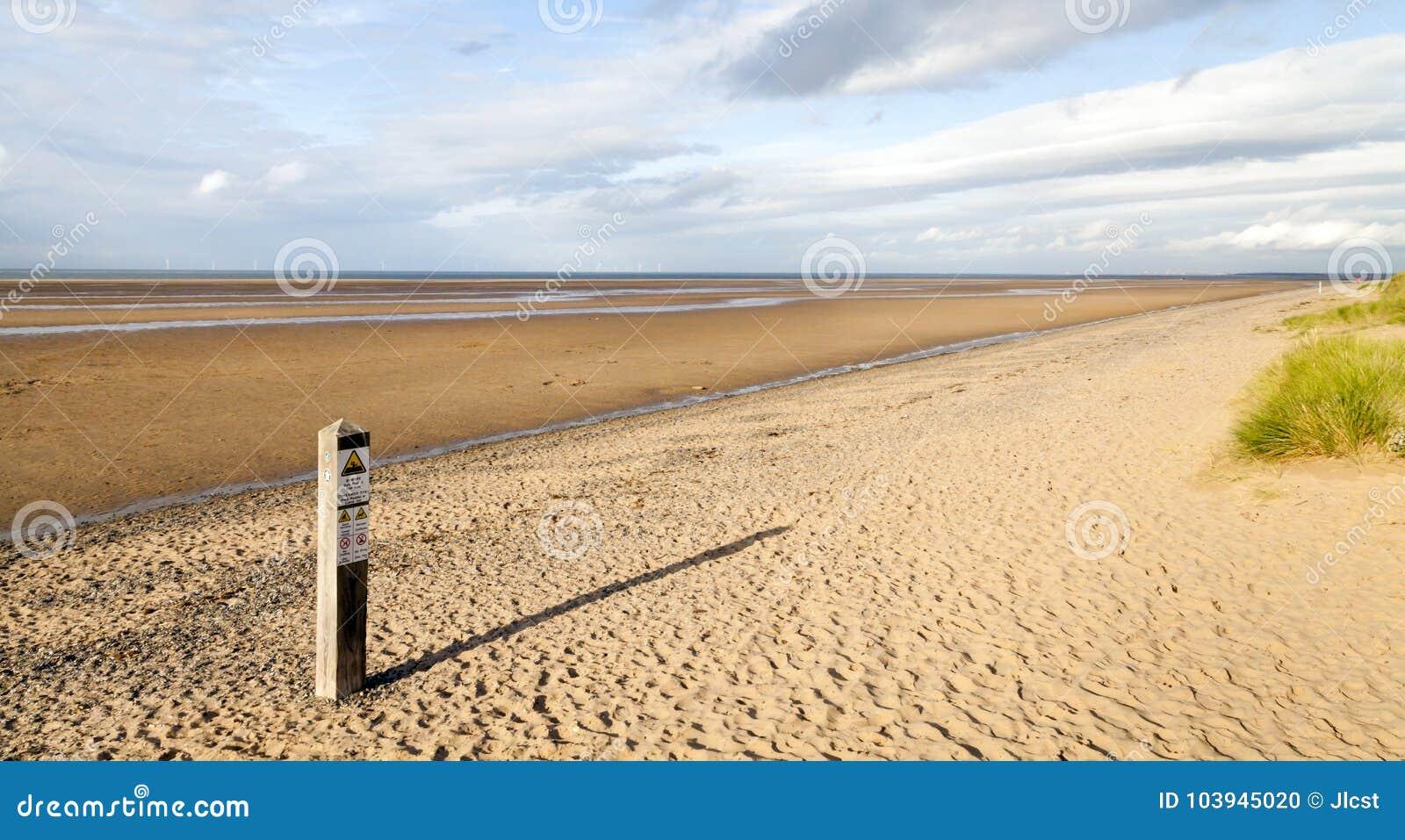 Plażowy sceny późne popołudnie