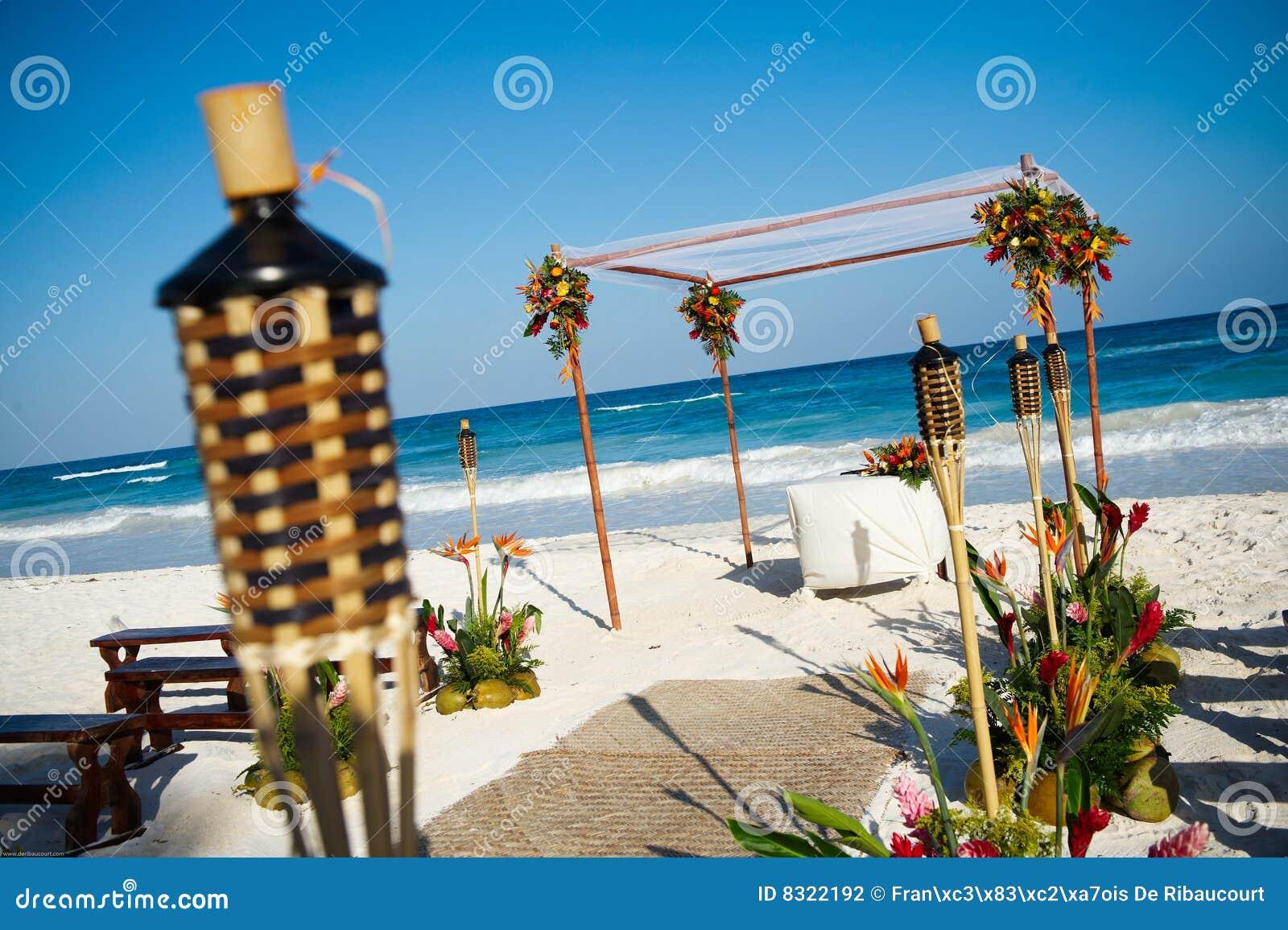 Plażowy ustawianie ślub