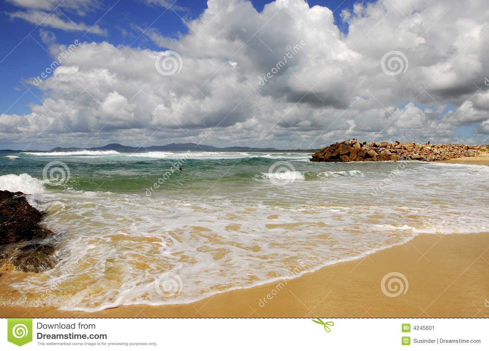 Plaży australijski chmury