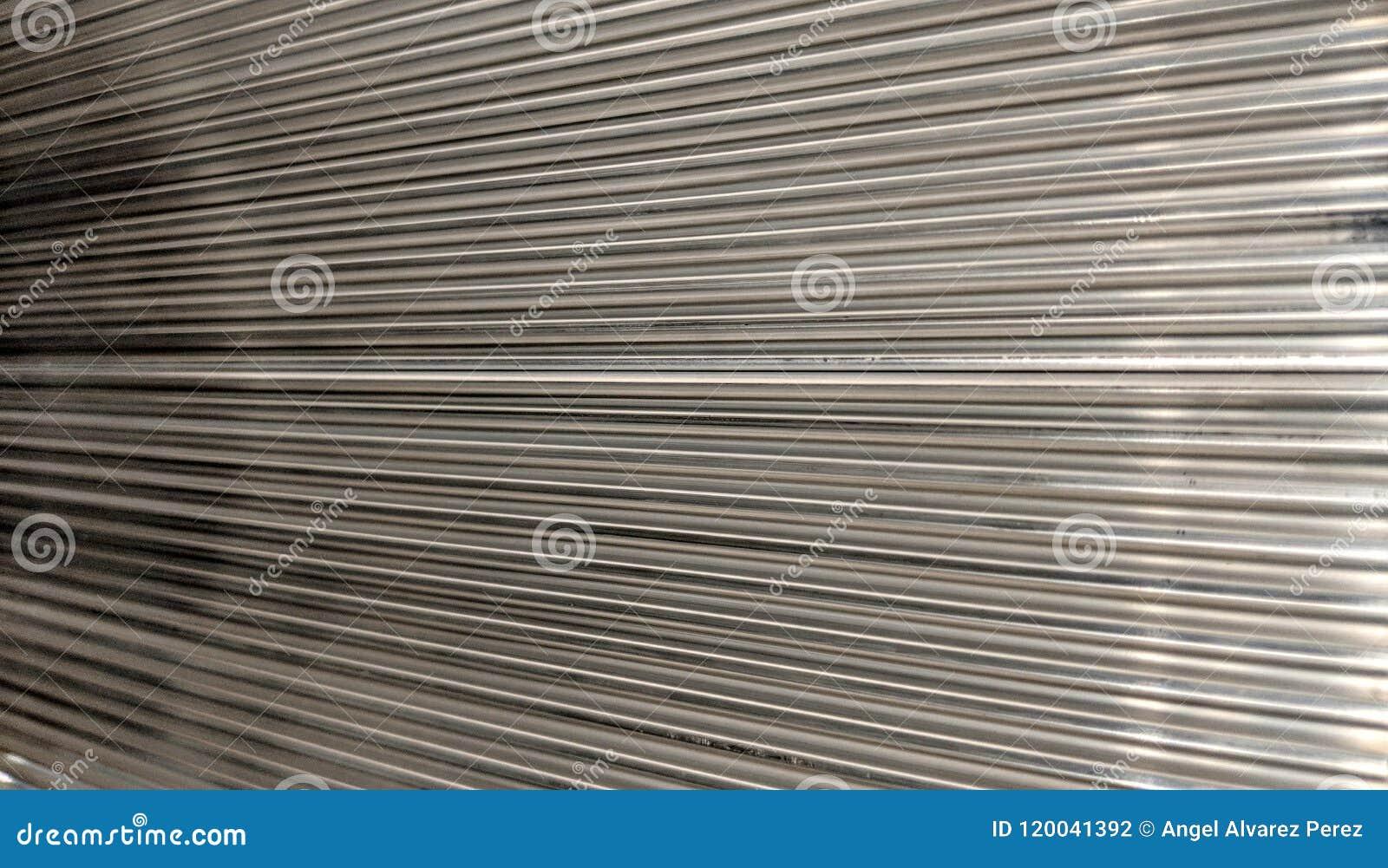 Placa de aluminio con el surco cuadrado