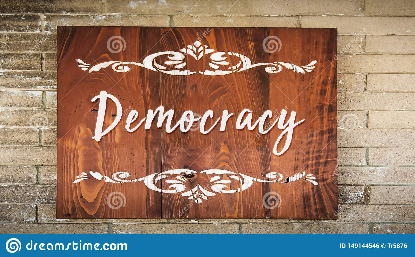 Placa de calle a la democracia