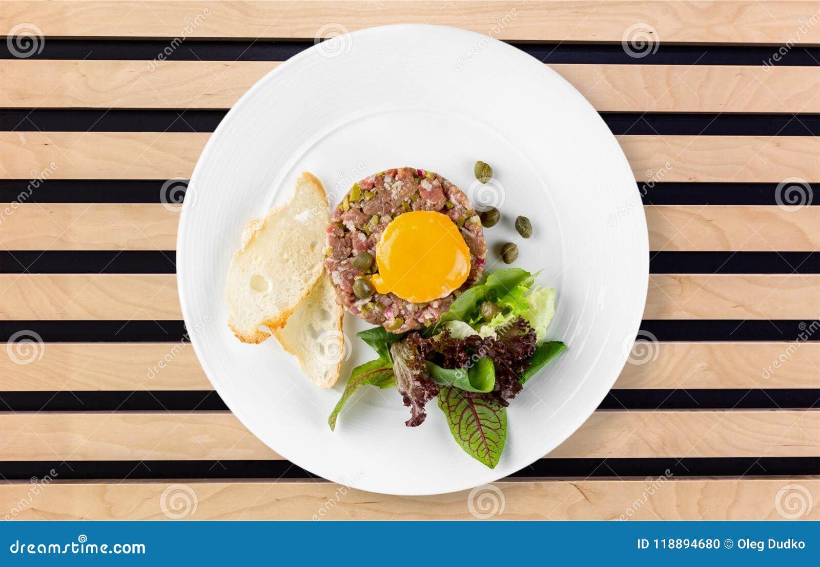 Placa de la comida en el escritorio