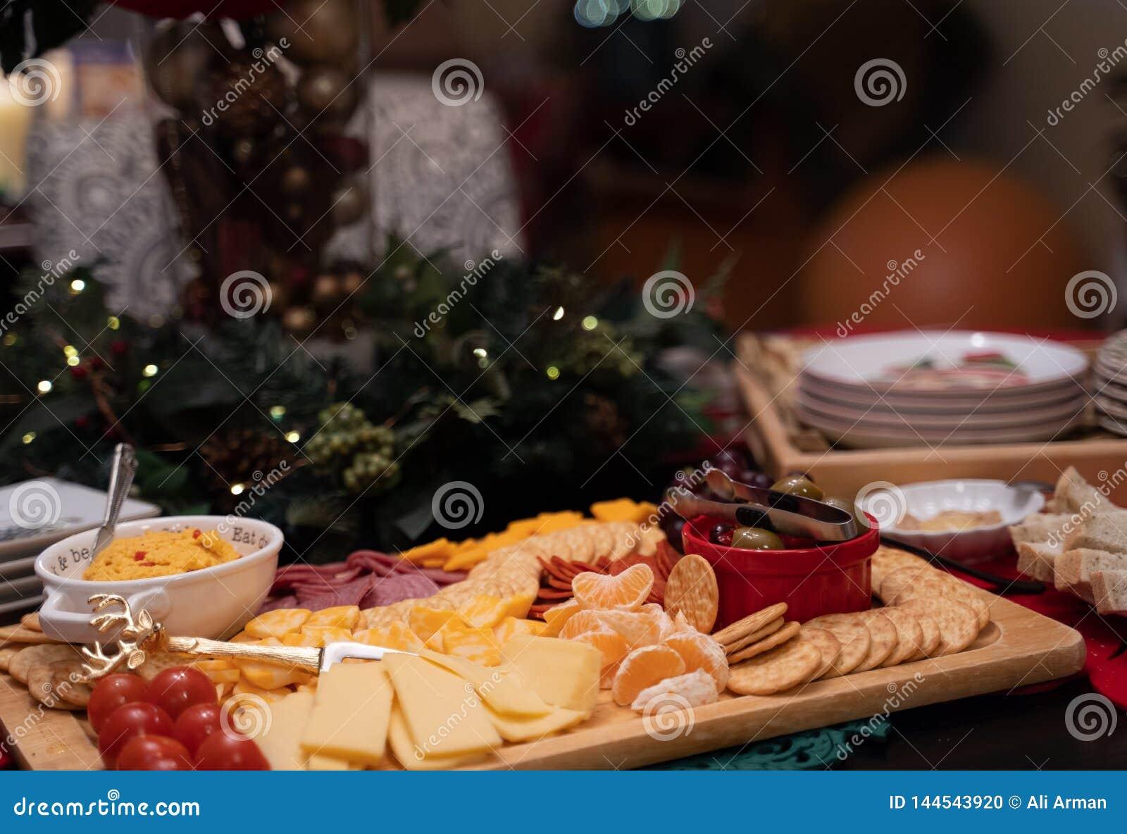 Placa do aperitivo com queijos