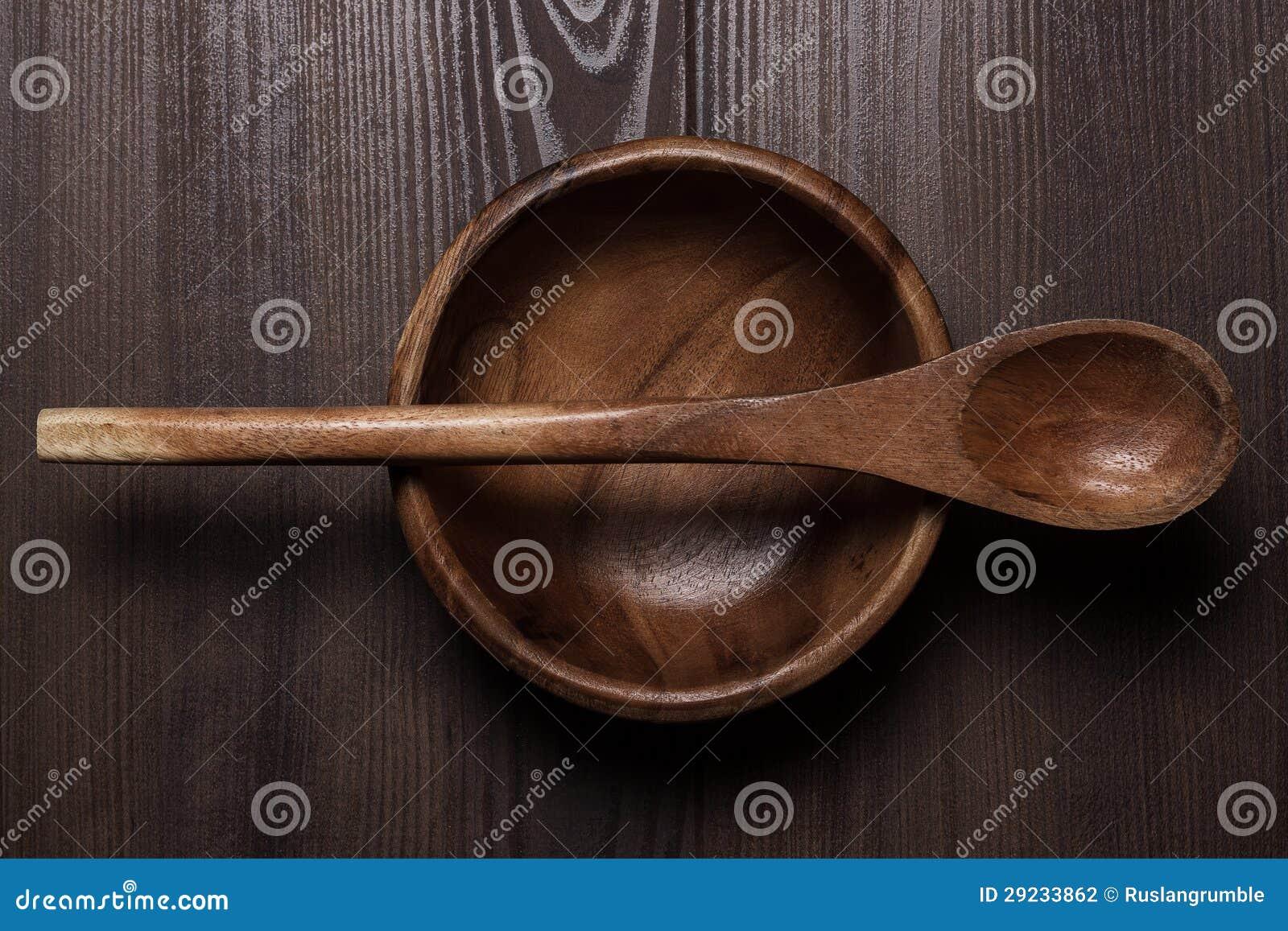 Download Placa E Colher De Madeira De Salada Na Tabela Marrom Foto de Stock - Imagem de naughty, tabela: 29233862