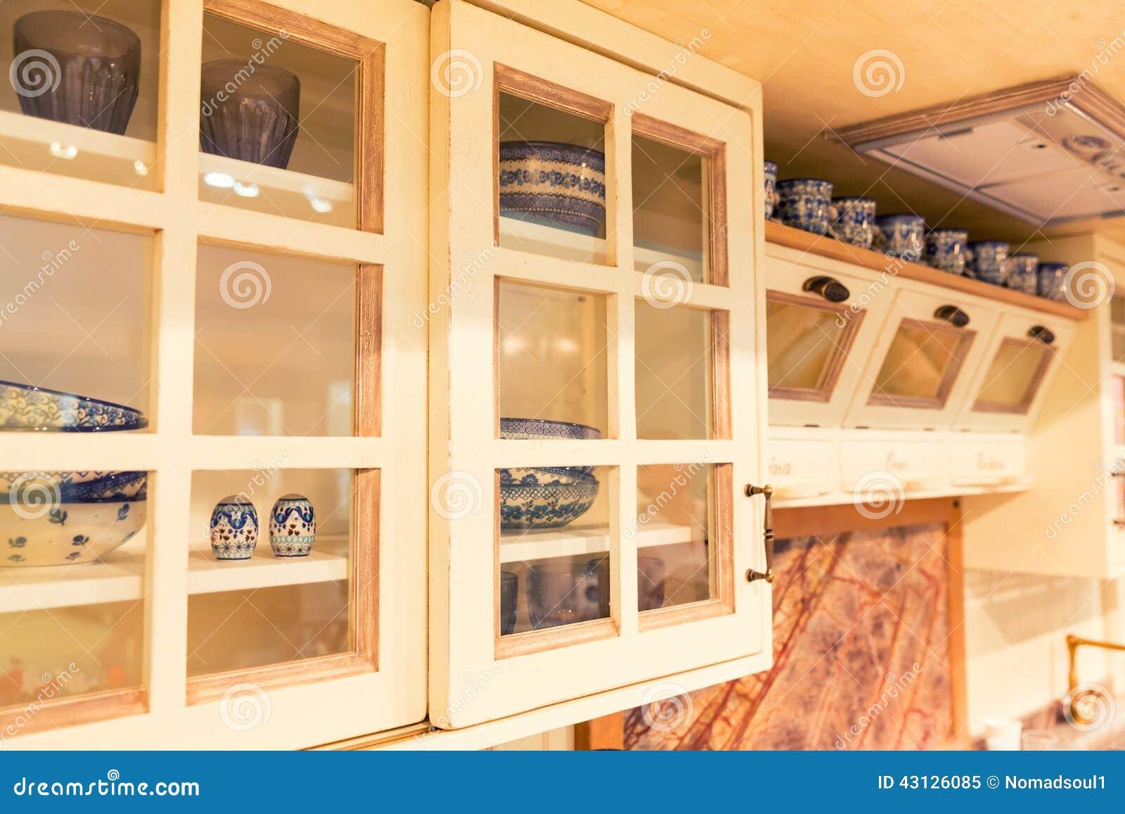 Placard dans la cuisine rustique photo stock image 43126085 - Image de placard de cuisine ...