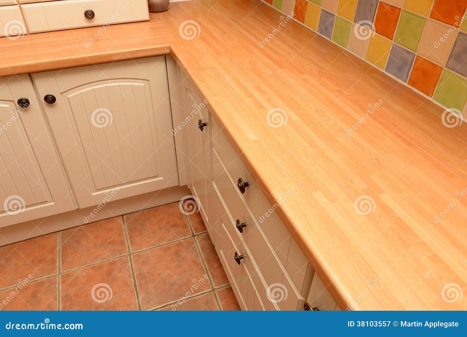 Placard de cuisine meuble cuisine marocaine en bois for Placards de cuisine