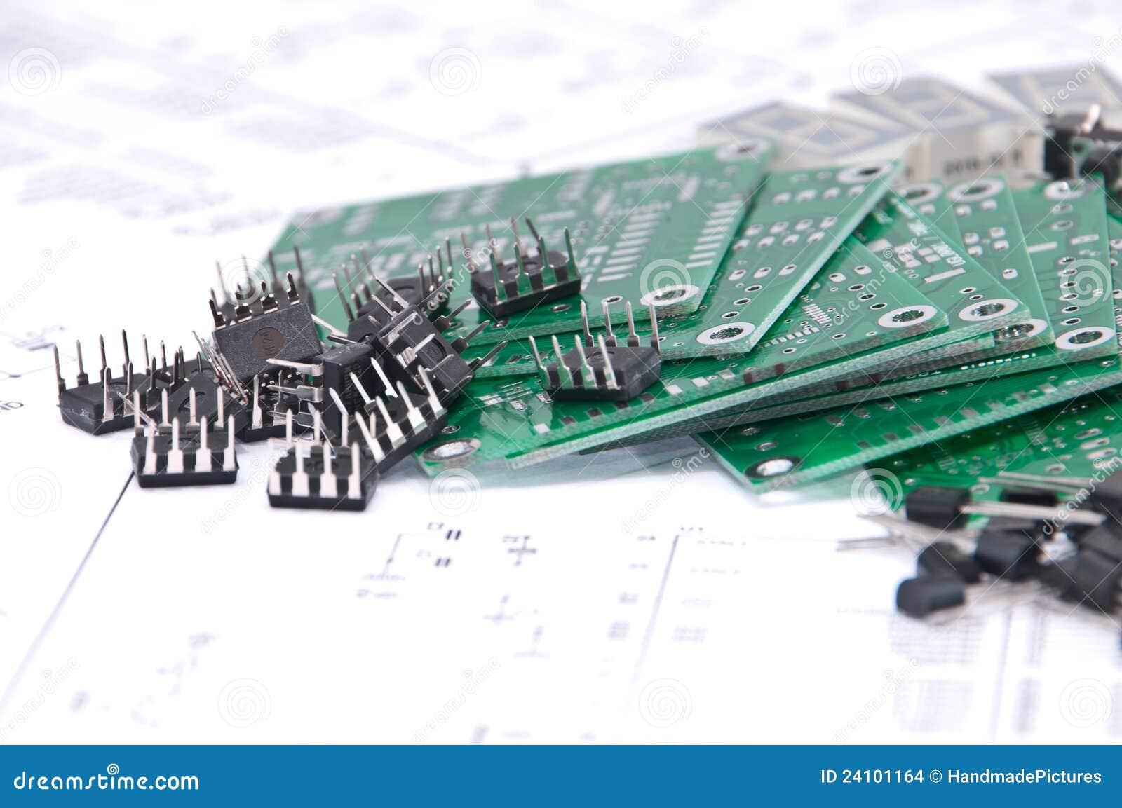 Placas de circuito, componentes com diagramas esquemáticos