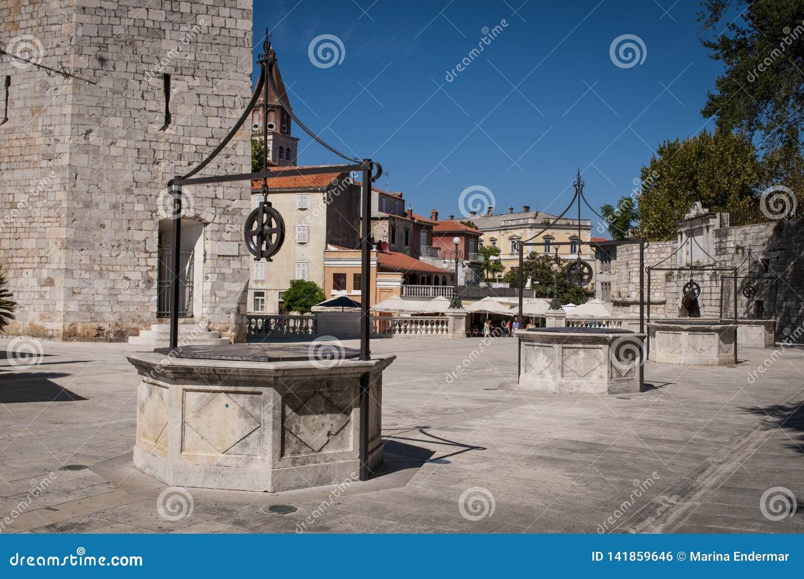 Place de cinq Wells, Zadar, Croatie