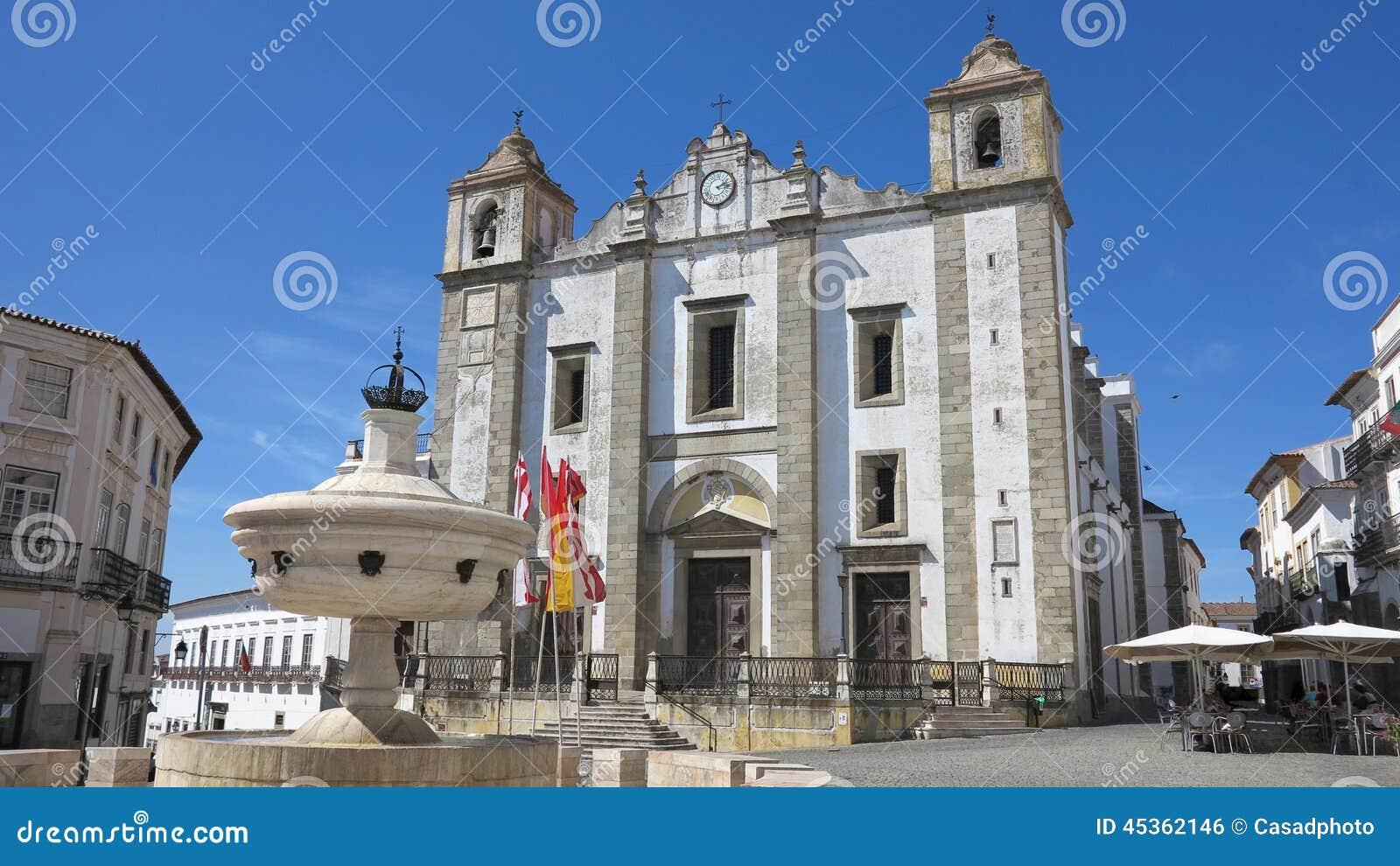 Place de Giraldo, Evora, Portugal