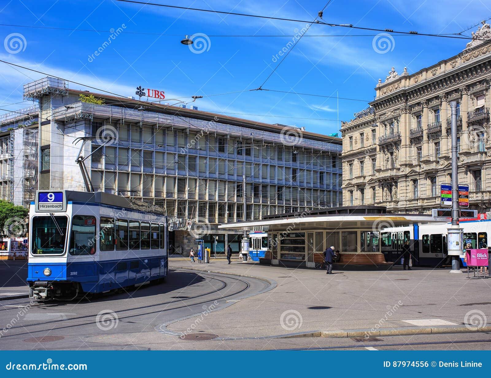 Place de Paradeplatz dans la ville de Zurich, Suisse
