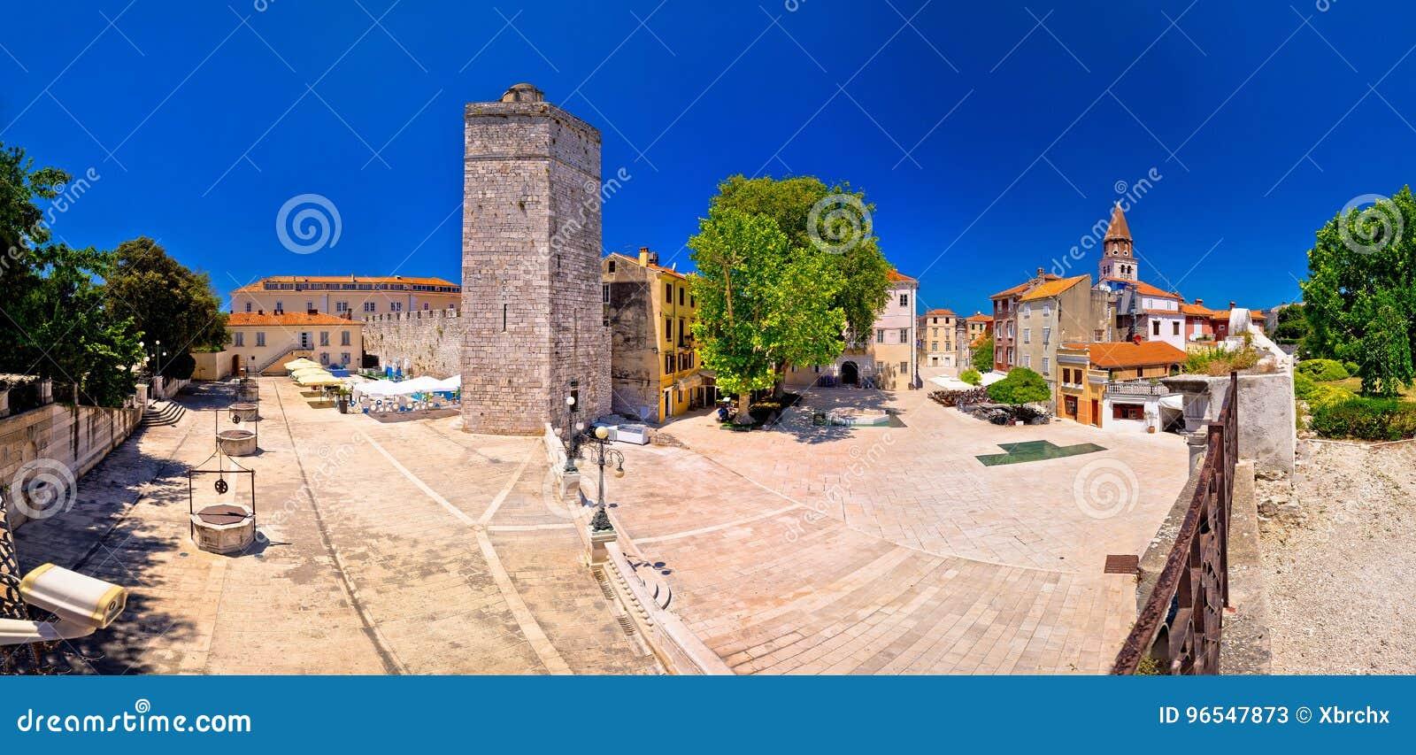 Place de puits de Zadar cinq et vue panoramique d architecture historique