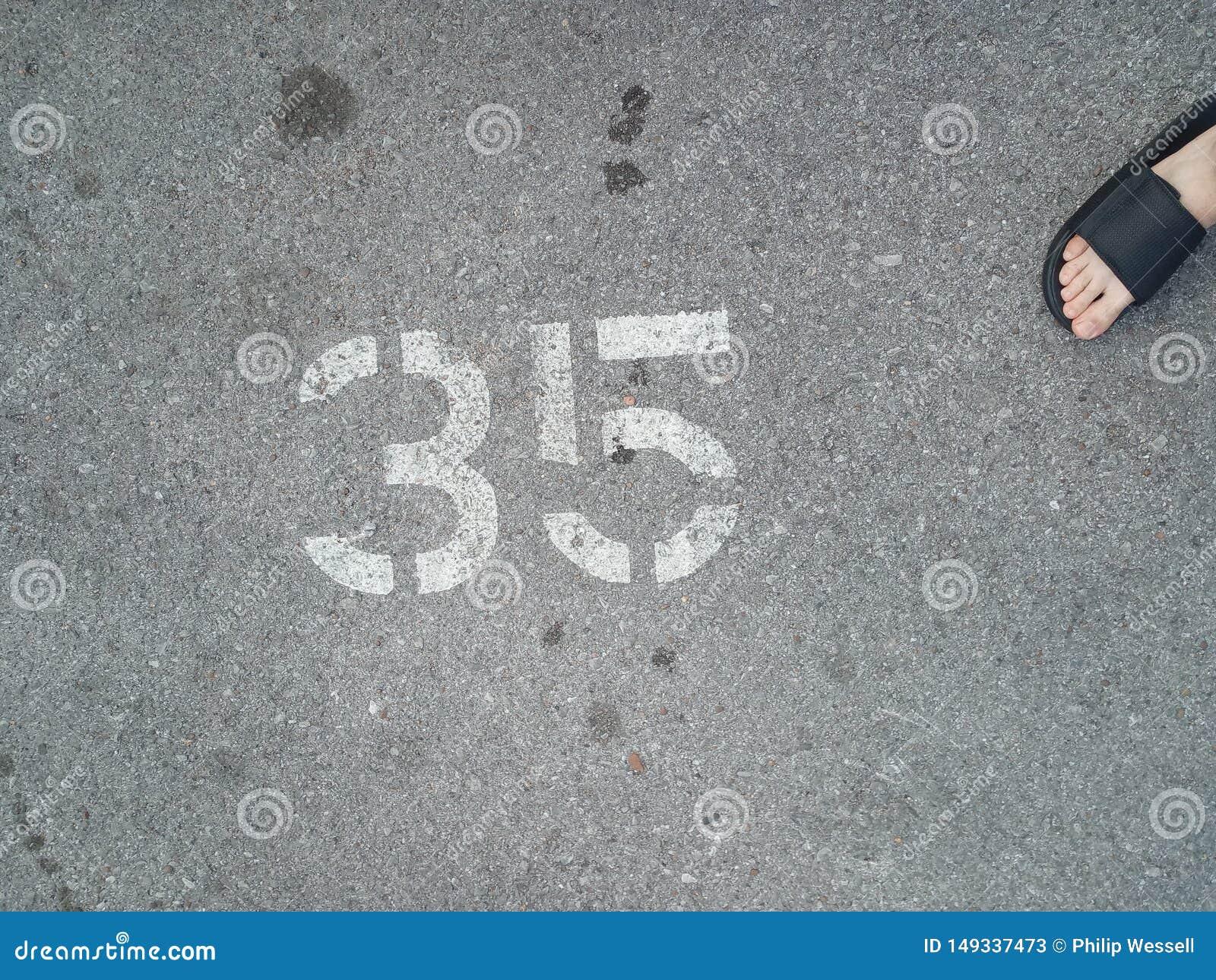 Place de stationnement non 35