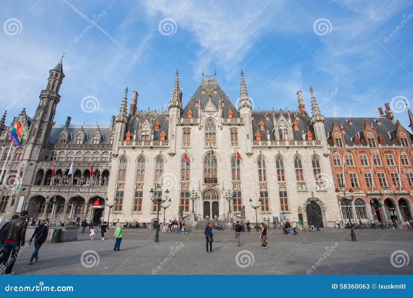 Place du march le centre de la ville de bruges en for Prix de la construction belgique