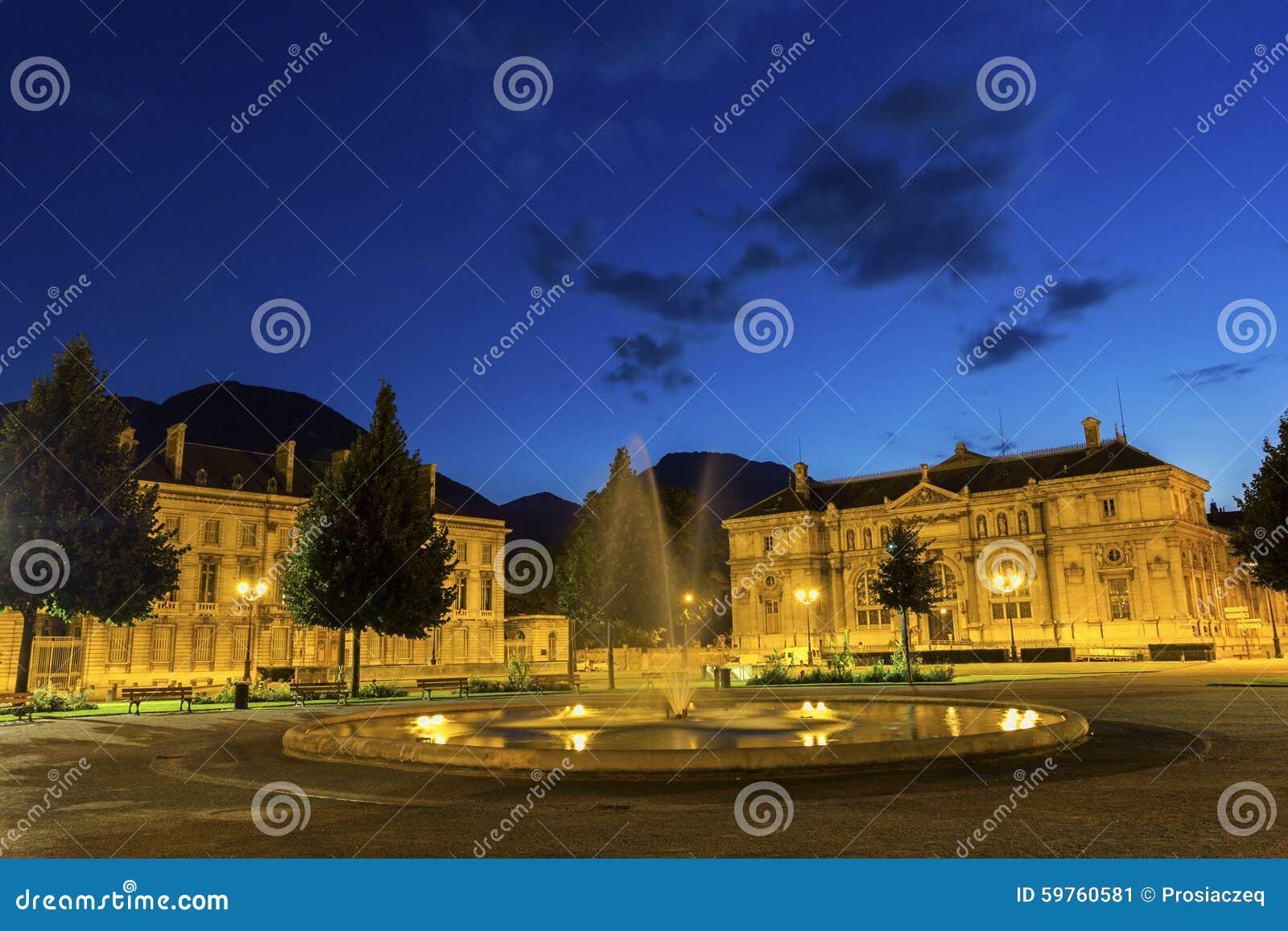 Placez De Verdun à Grenoble, France