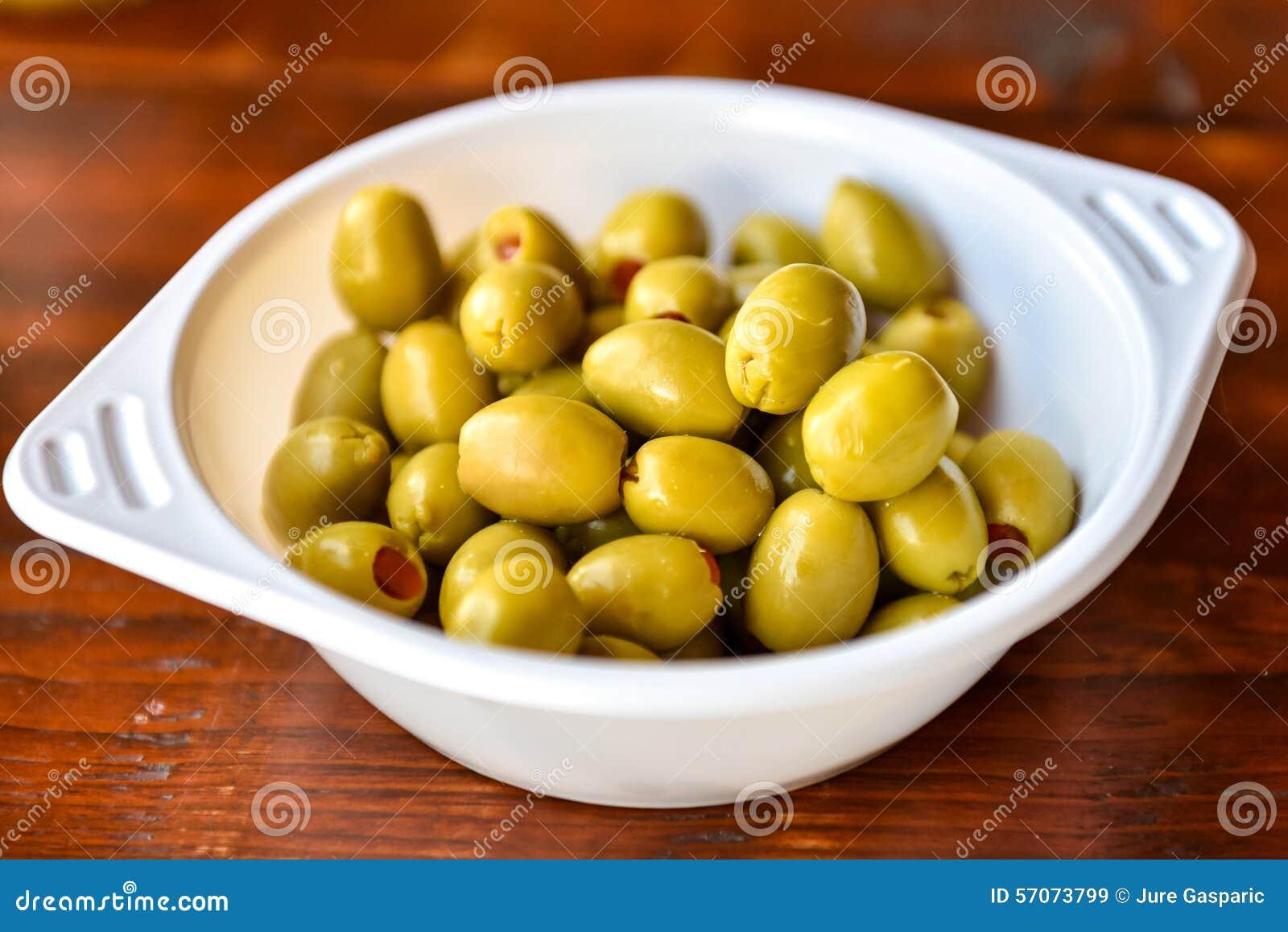 Plactickom van groene olijven