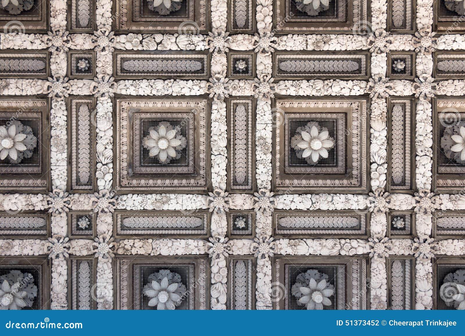 Merveilleux Plafond De Marbre Archaïque De Fleur