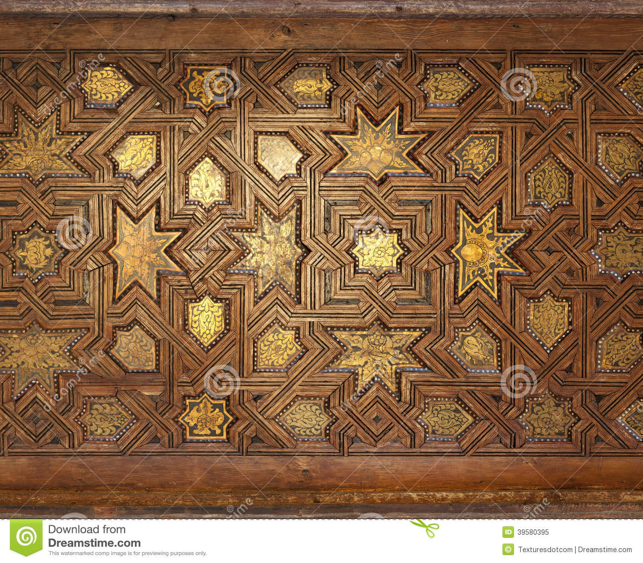 Plafond mauresque fleuri dor photo stock image 39580395 for Fond plafond marocain
