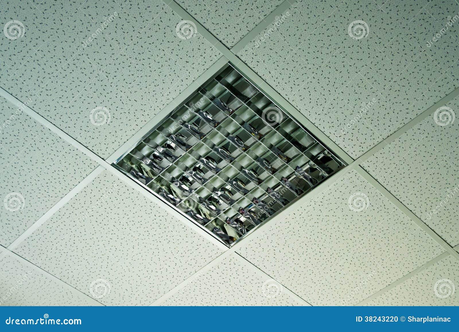 Plafoniere A Soffitto Per Ufficio : Plafoniera dell ufficio fotografia stock immagine di apparecchio