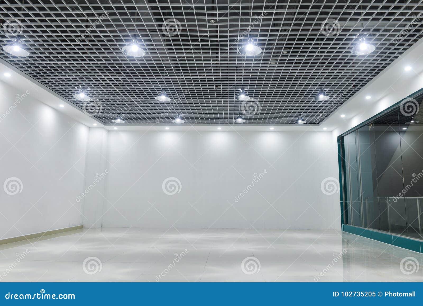 Plafoniere Soffitto Moderno : Plafoniere principali sul soffitto commerciale moderno della