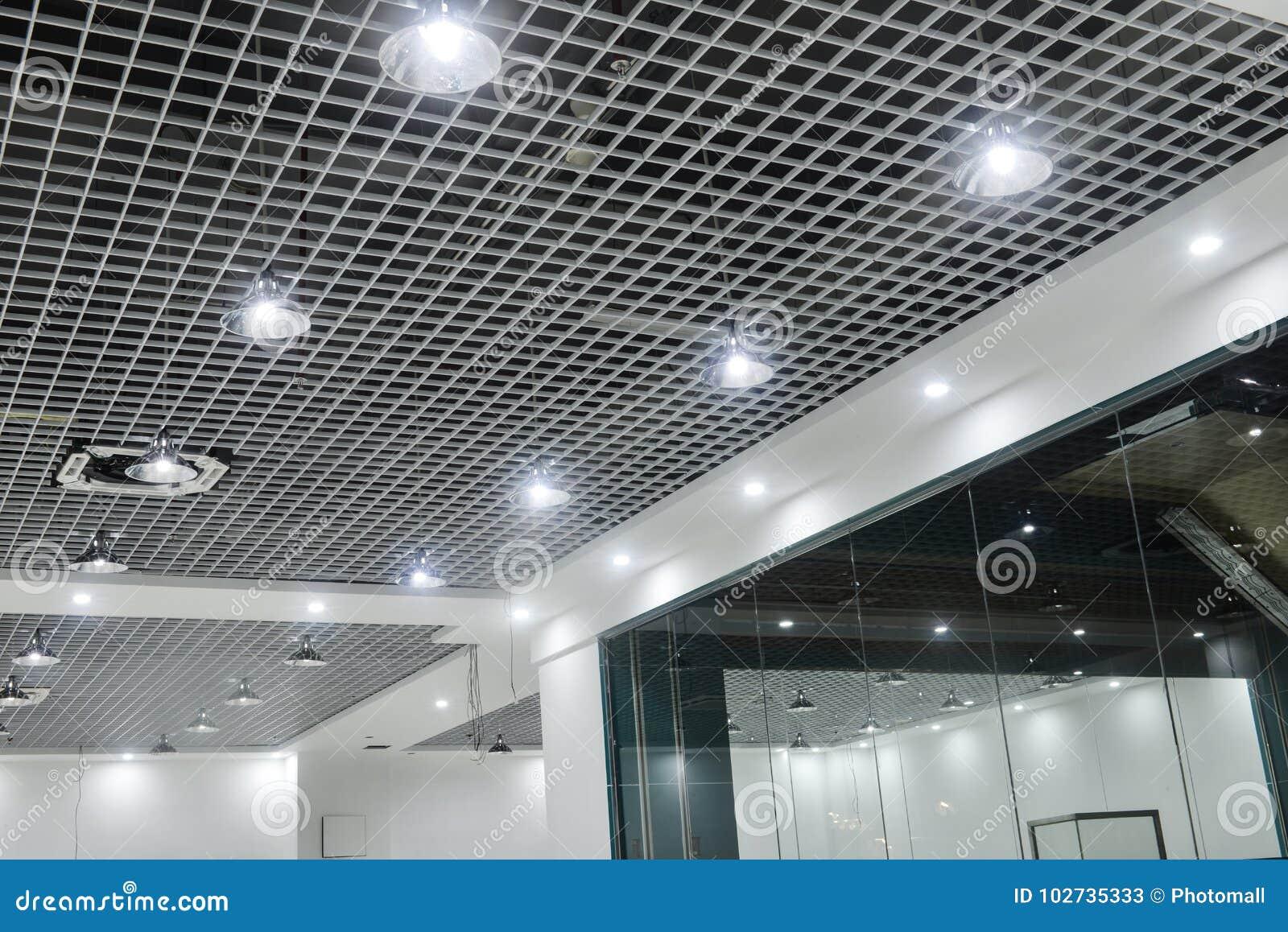 Plafoniere Quadrate Soffitto : Plafoniere principali sul soffitto commerciale moderno della