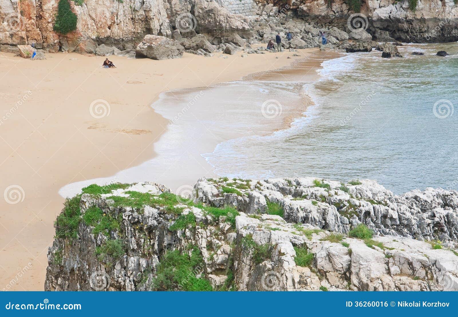 Plage dans Cascais. Portugal