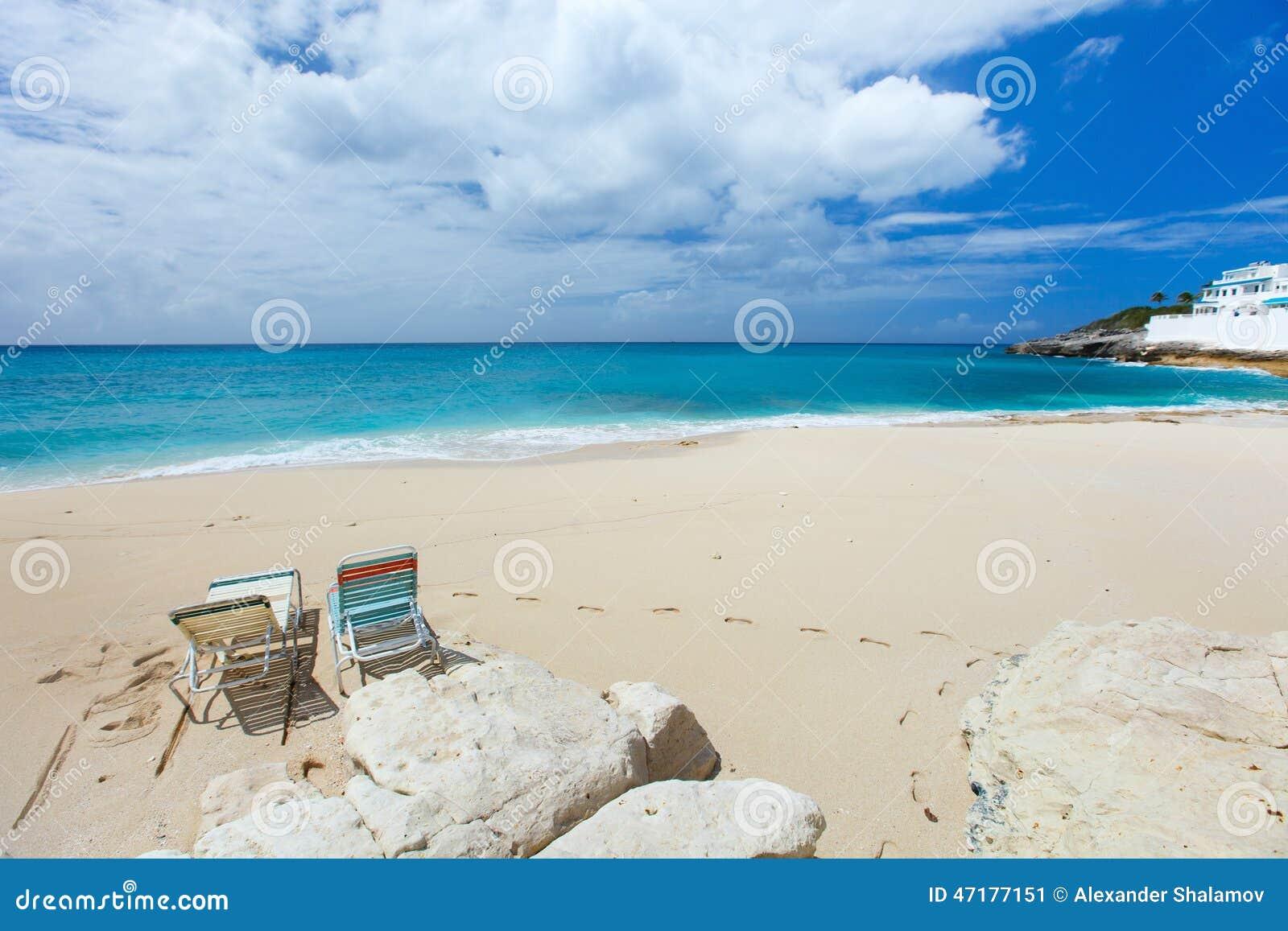 plage de cupecoy sur st martin la cara be photo stock image 47177151. Black Bedroom Furniture Sets. Home Design Ideas