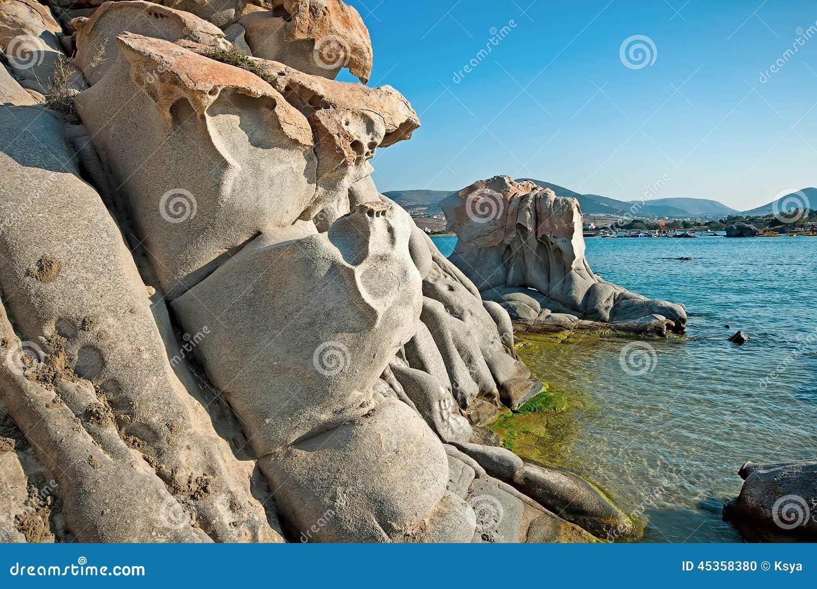 Plage de Kolymbithres d île de Paros en Grèce 2