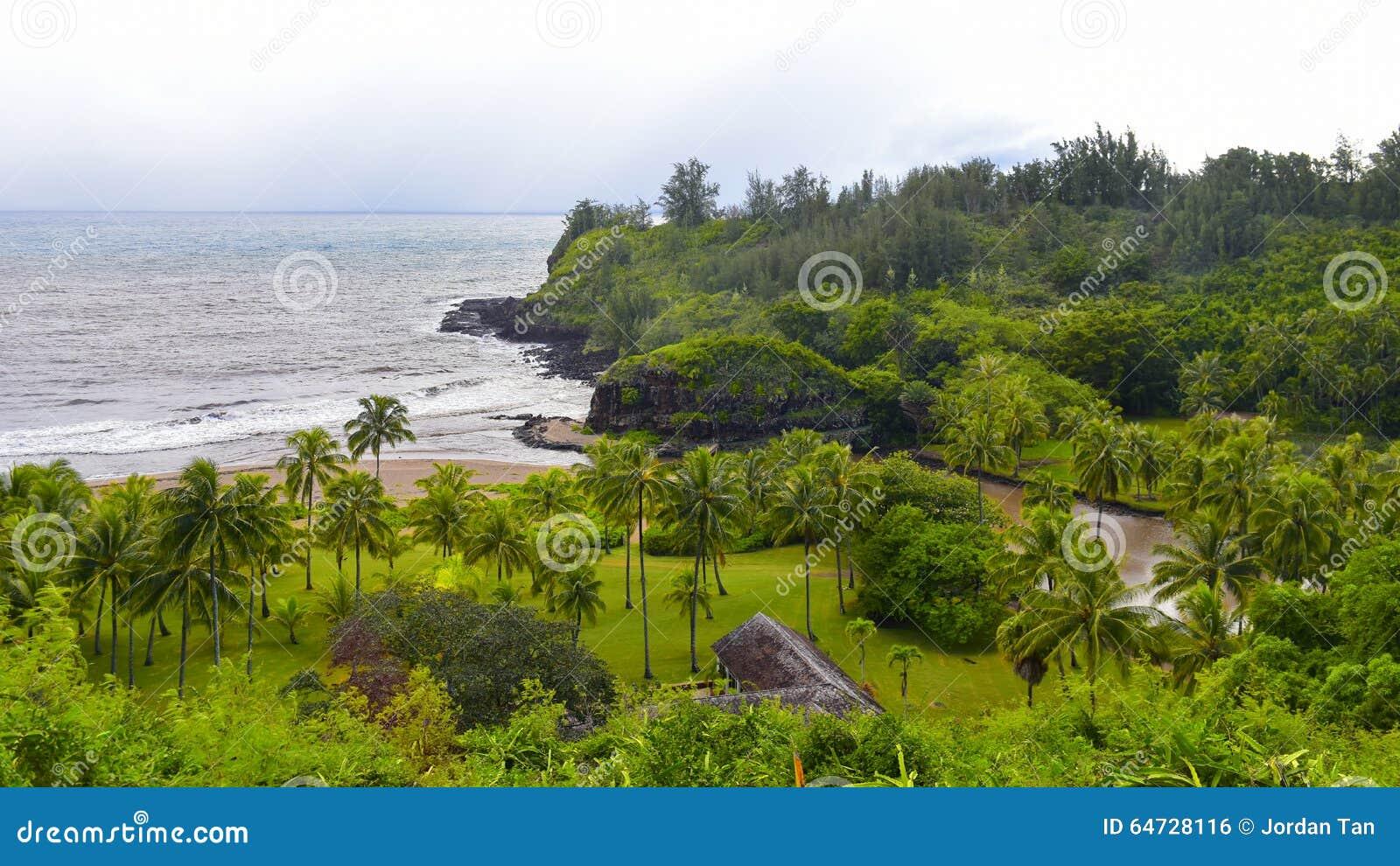 Plage de Lawai menant au jardin d Allerton en île de Kauai