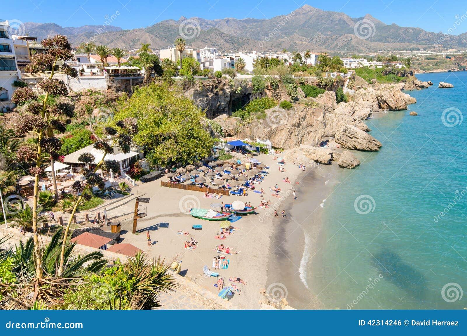 Plage de Nerja, ville touristique célèbre en Costa del Sol, laga de ¡ de MÃ, Espagne