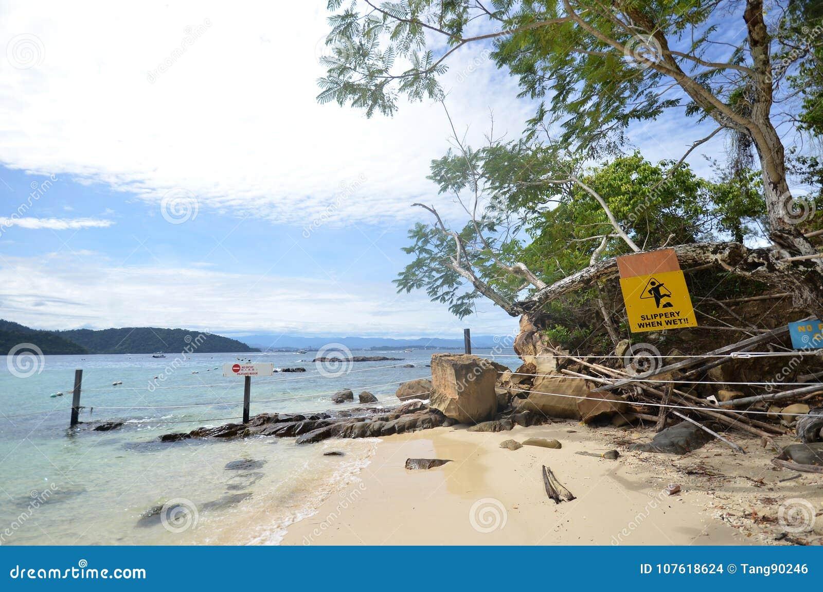 Plage en île de Sapi, Sabah Malaysia