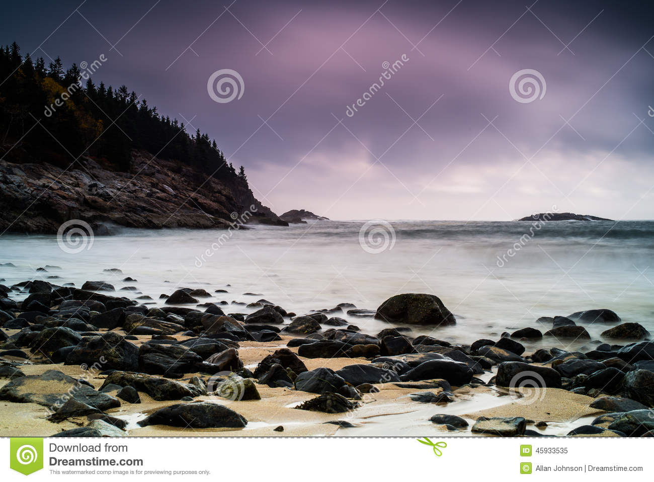 Plage rocheuse
