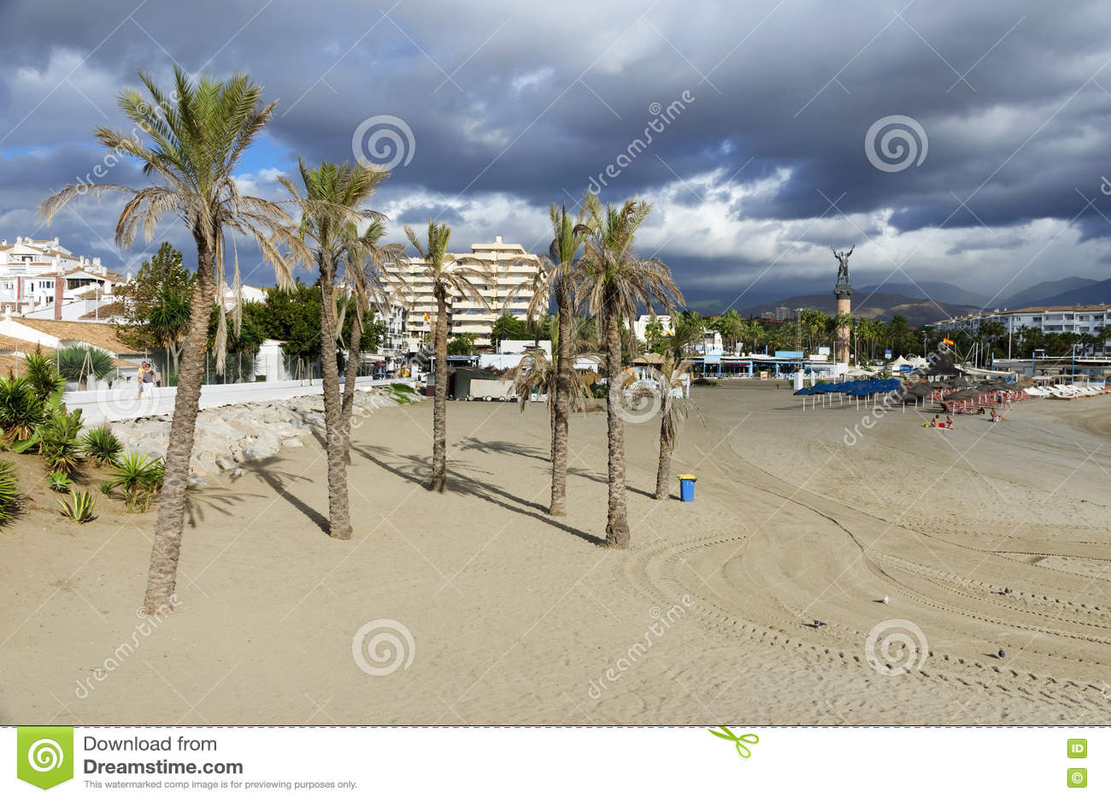 Download Plage Sablonneuse De Marbella Photo stock - Image du méditerranéen, paume: 63092052