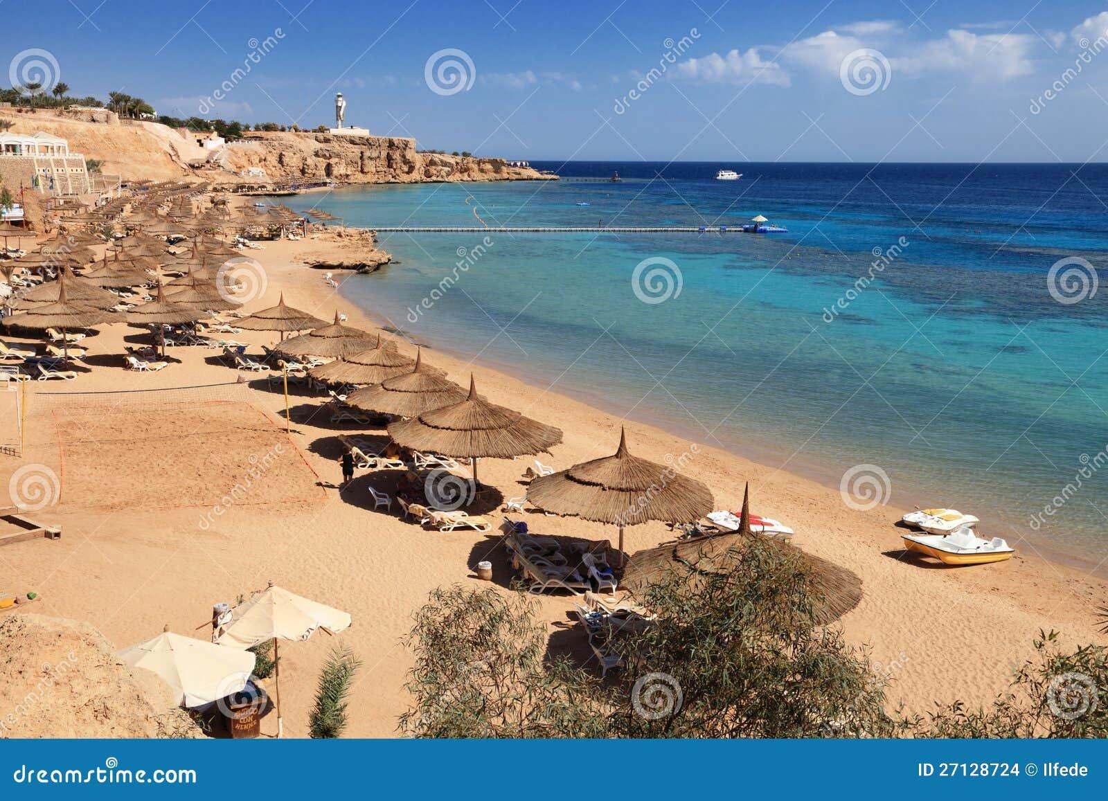 plage sur la mer rouge sharm el sheikh images stock image 27128724. Black Bedroom Furniture Sets. Home Design Ideas