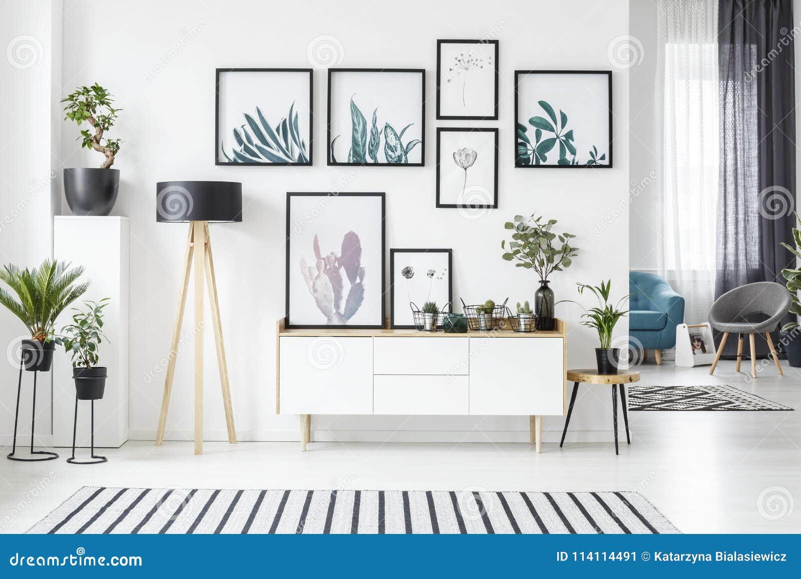 Plakaty w żywym pokoju