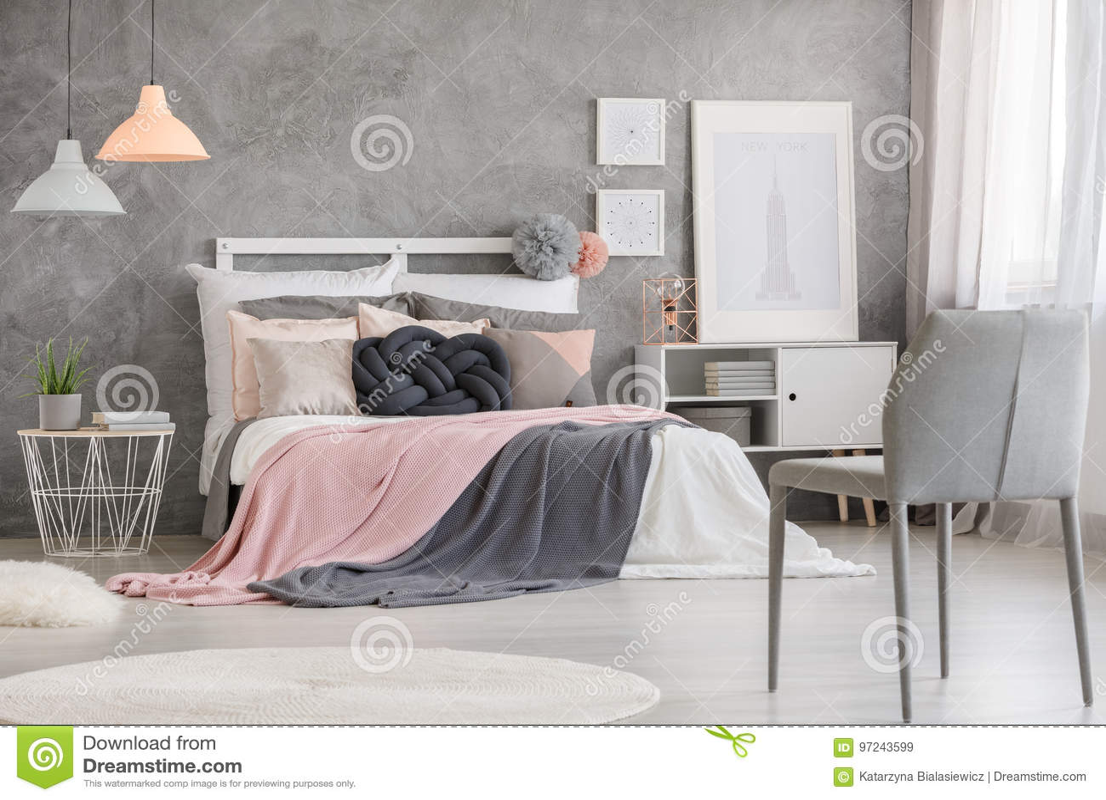 Plakaty W Sypialni Obraz Stock Obraz Złożonej Z Krzesło