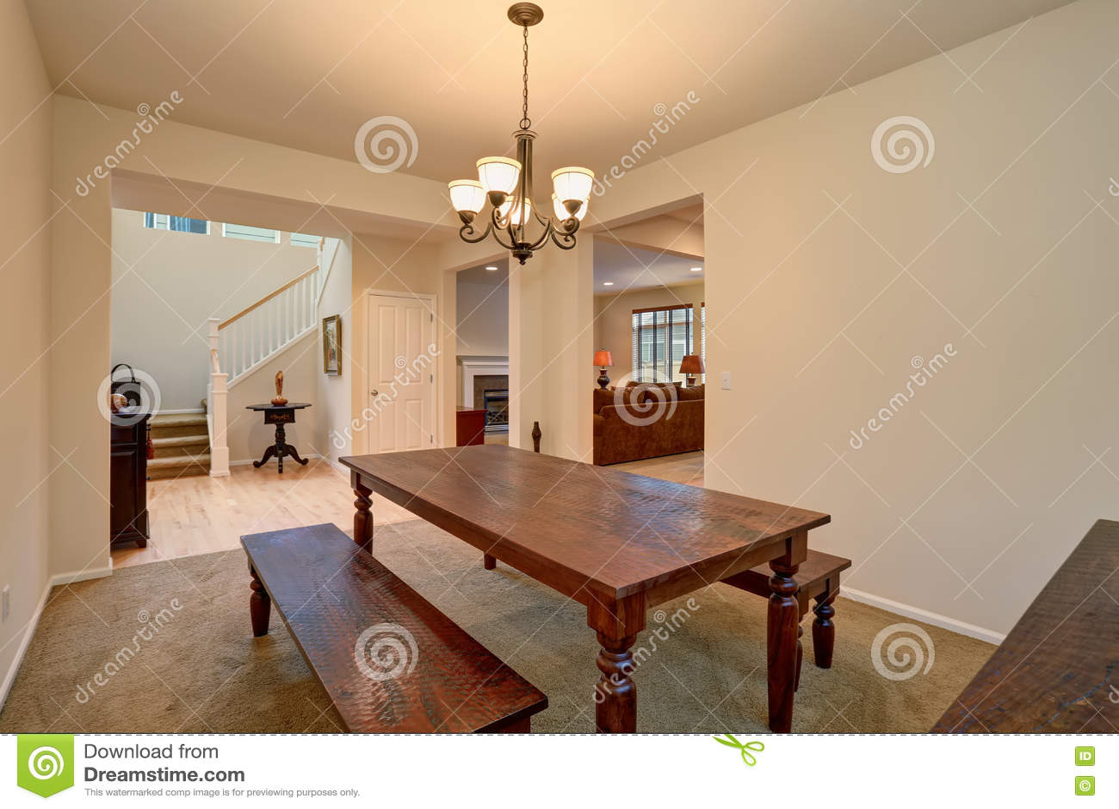 Plan d 39 tage ouvert vue de salle manger avec la table et for Salon salle a manger bois