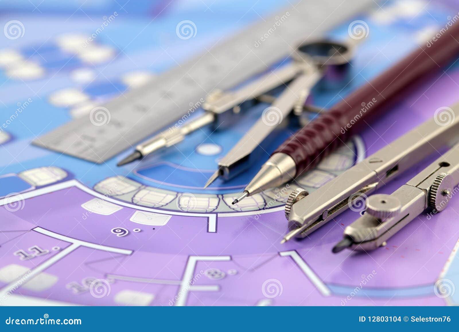 Plan et outils d 39 architecture photo stock image du for Outils architecte