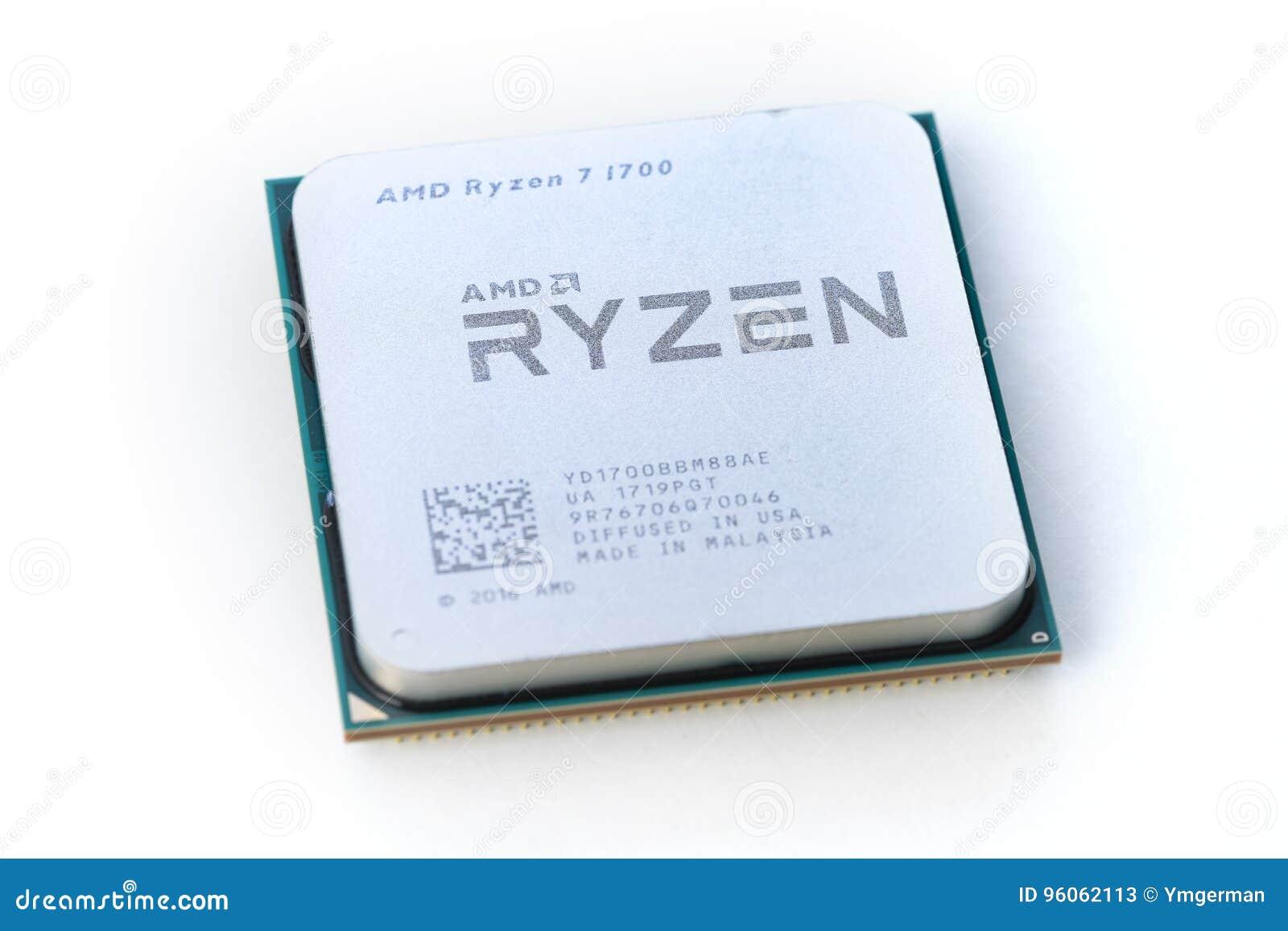 Plan rapproché d AMD Ryzen 7 1700 unités centrales de traitement