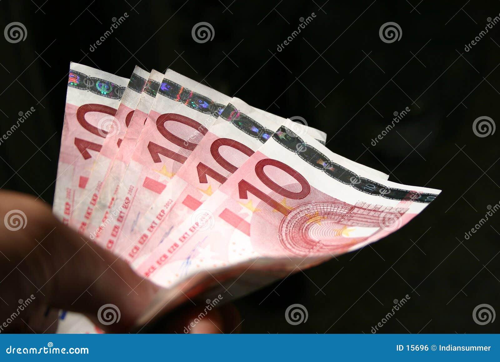 Plan rapproché de 10 factures d euro