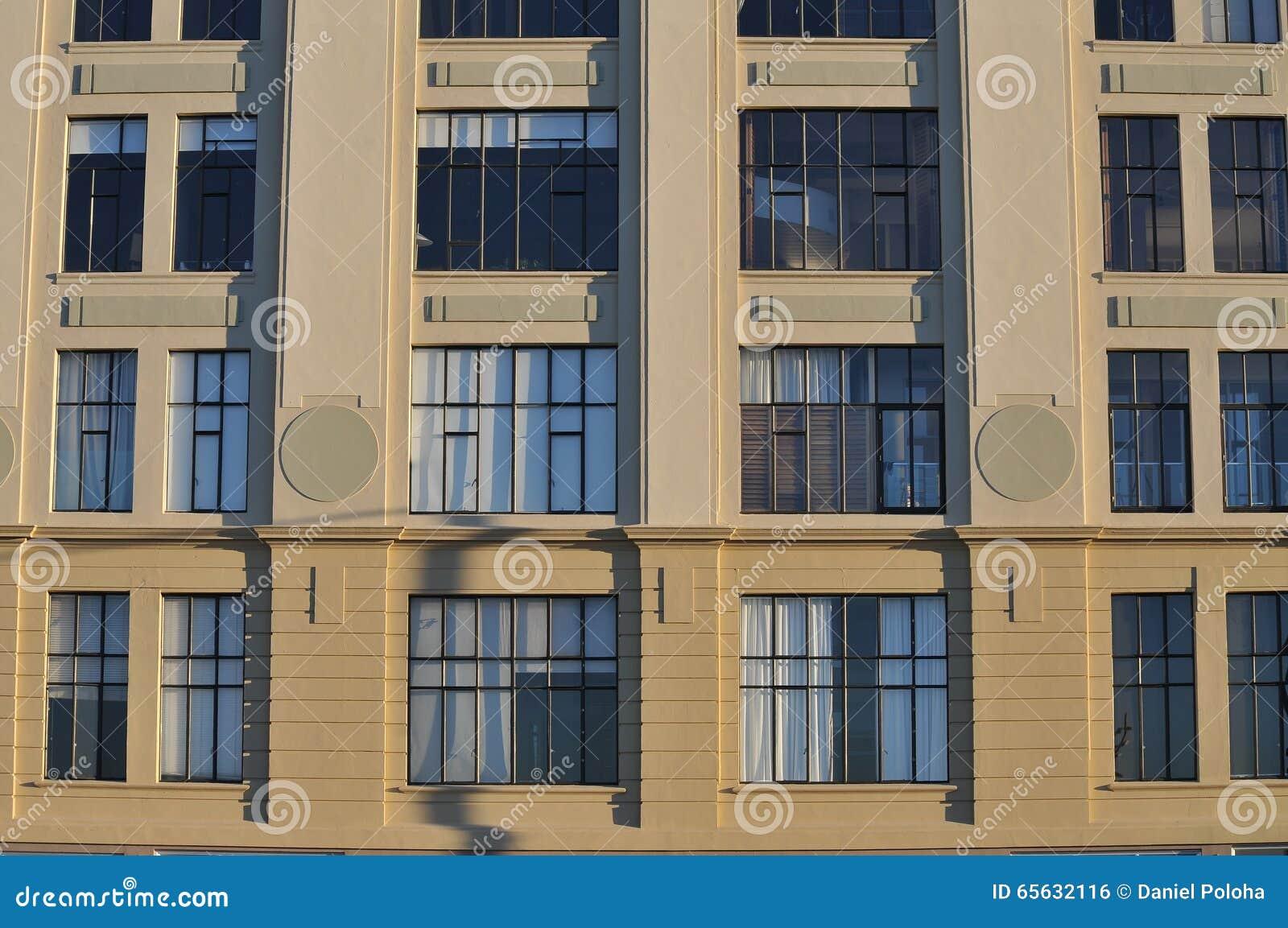 Plan rapproché de bâtiment de ville