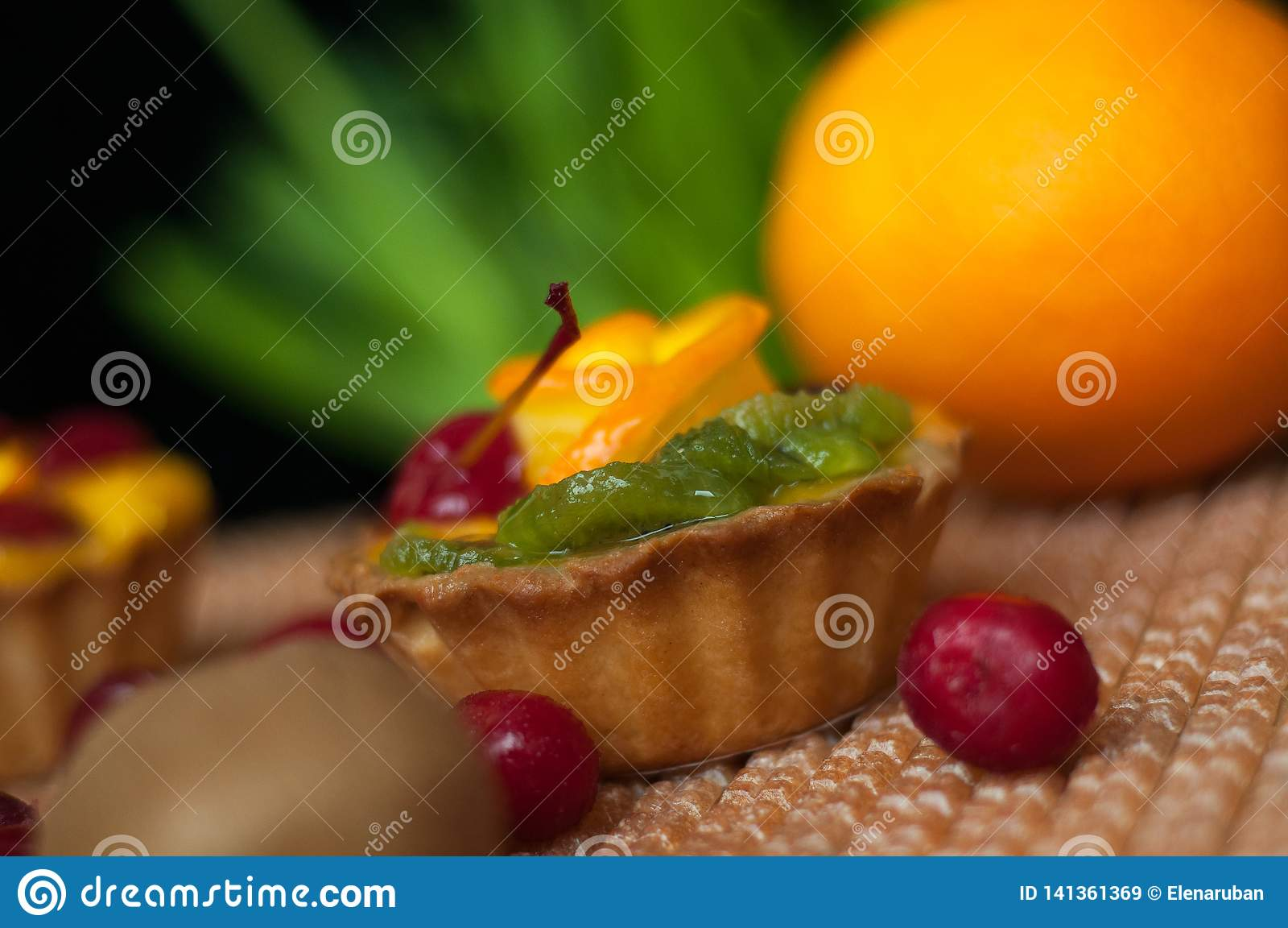 Plan rapproché de gâteau de fruit