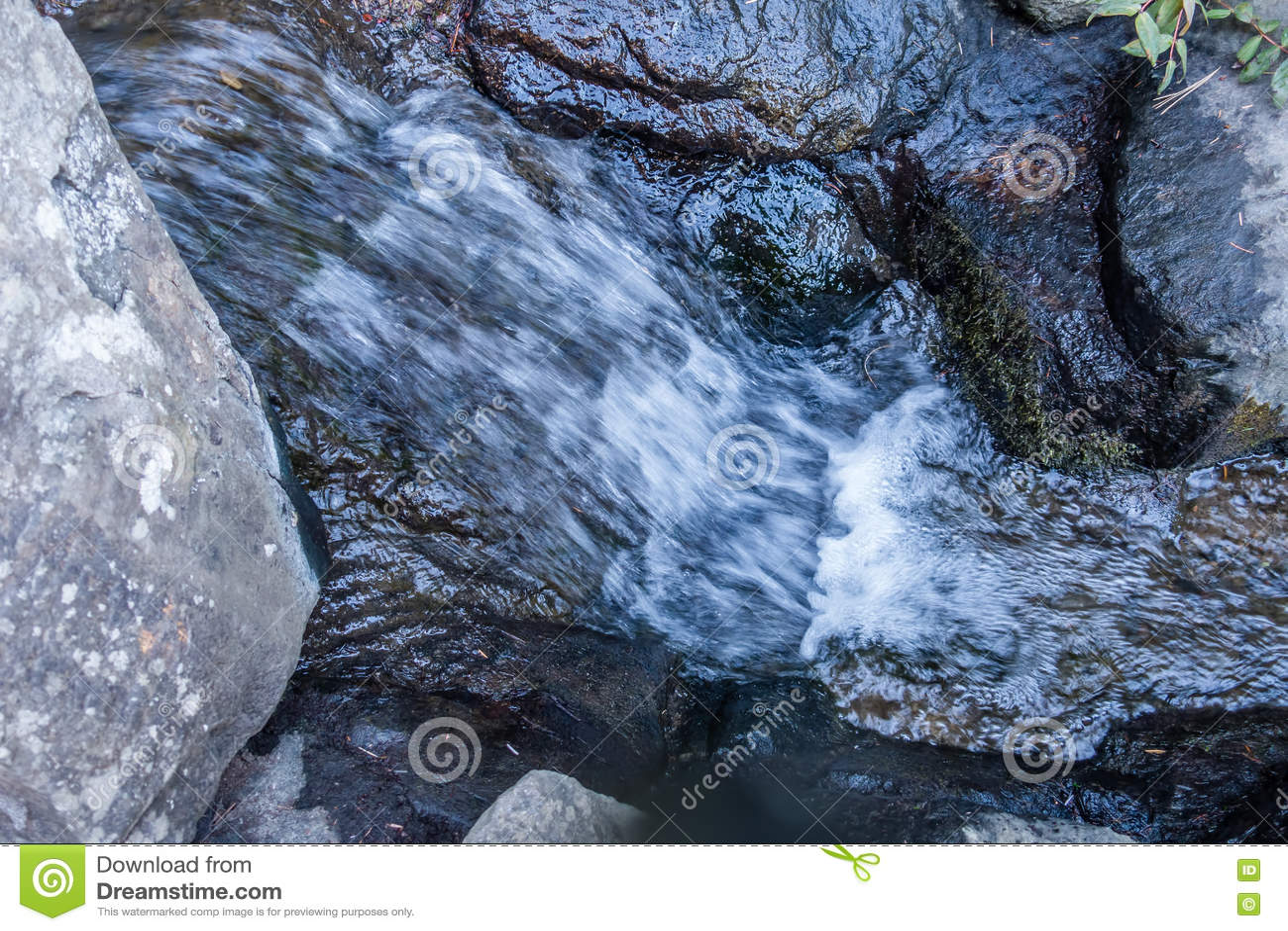 Plan rapproché de précipitation 2 de l eau