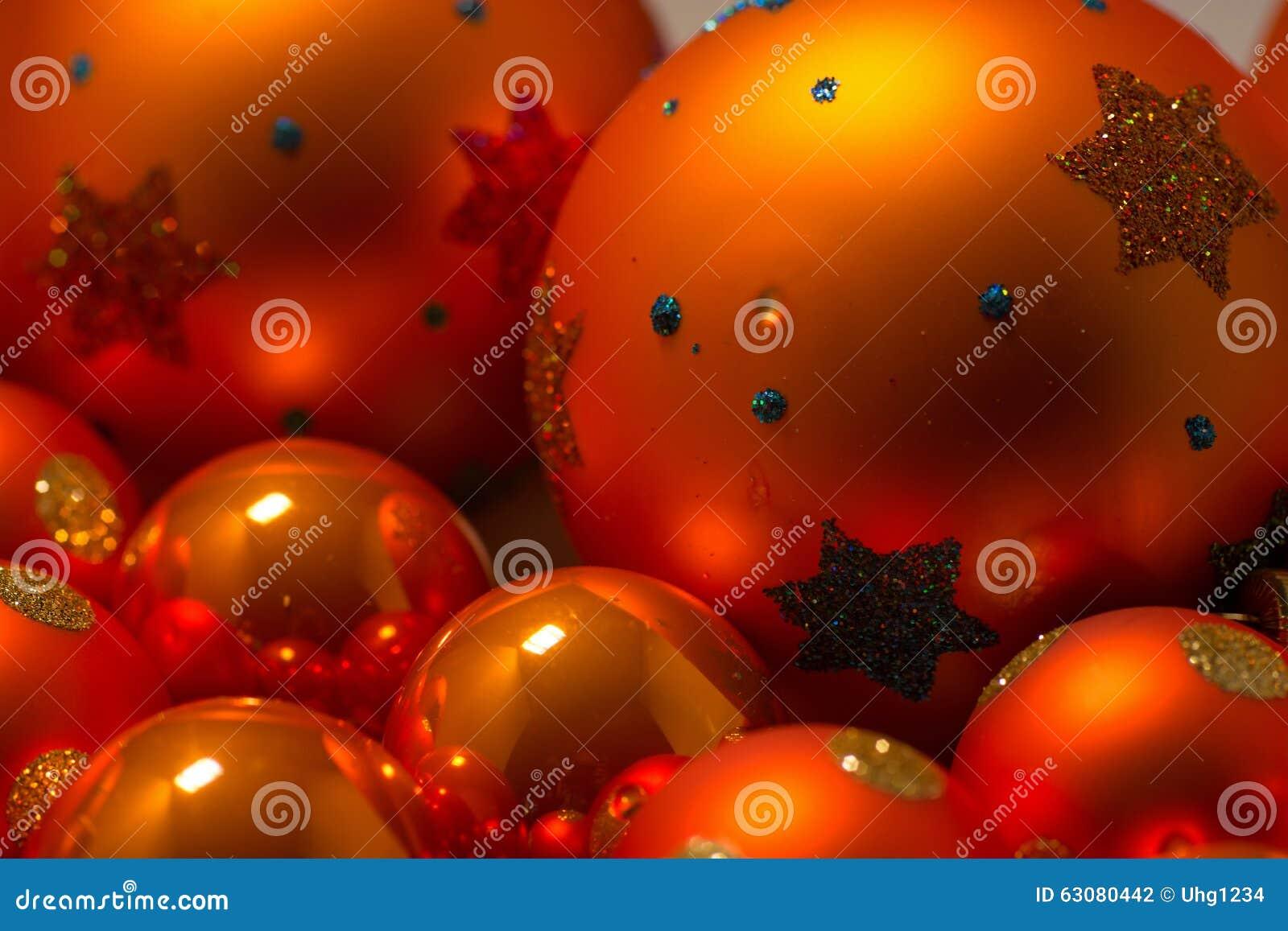 Download Plan Rapproché Des Boules De Noël Photo stock - Image du deco, arbre: 63080442