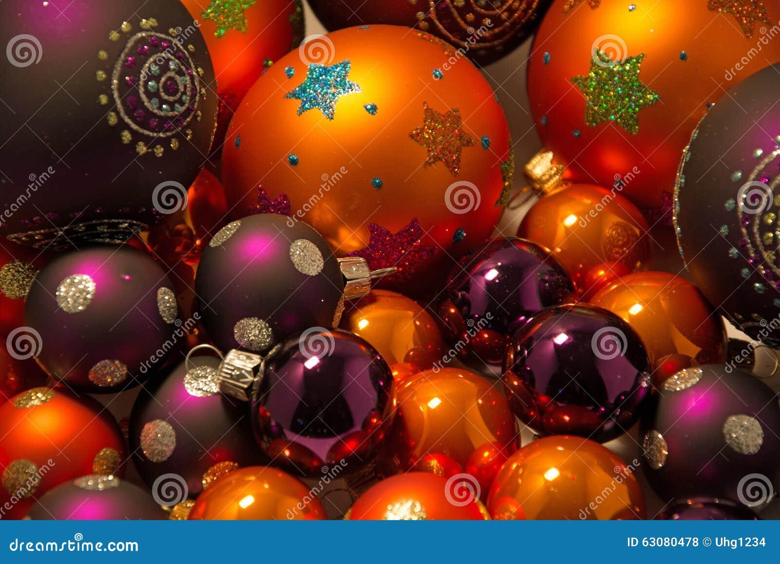 Download Plan Rapproché Des Boules De Noël Photo stock - Image du arrivée, hiver: 63080478