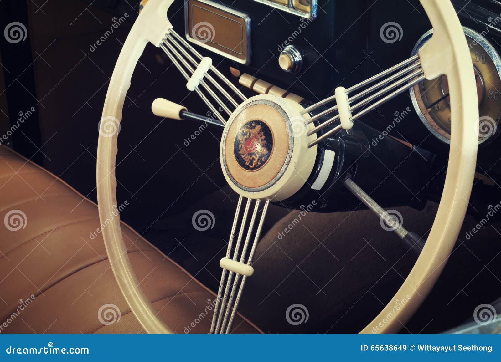 Plan rapproché des détails des voitures de vintage, console de voiture de vintage