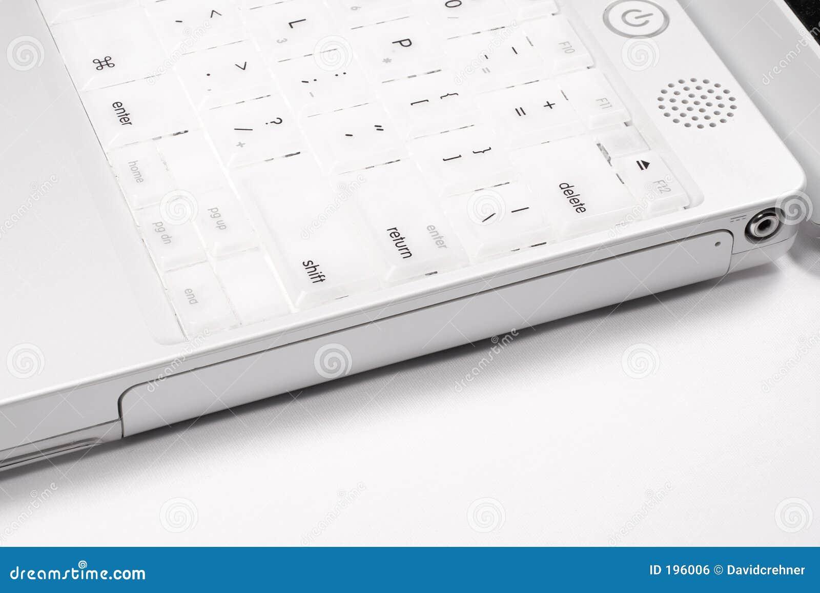 Plan rapproché du bord de côté d ordinateur portatif d iBook