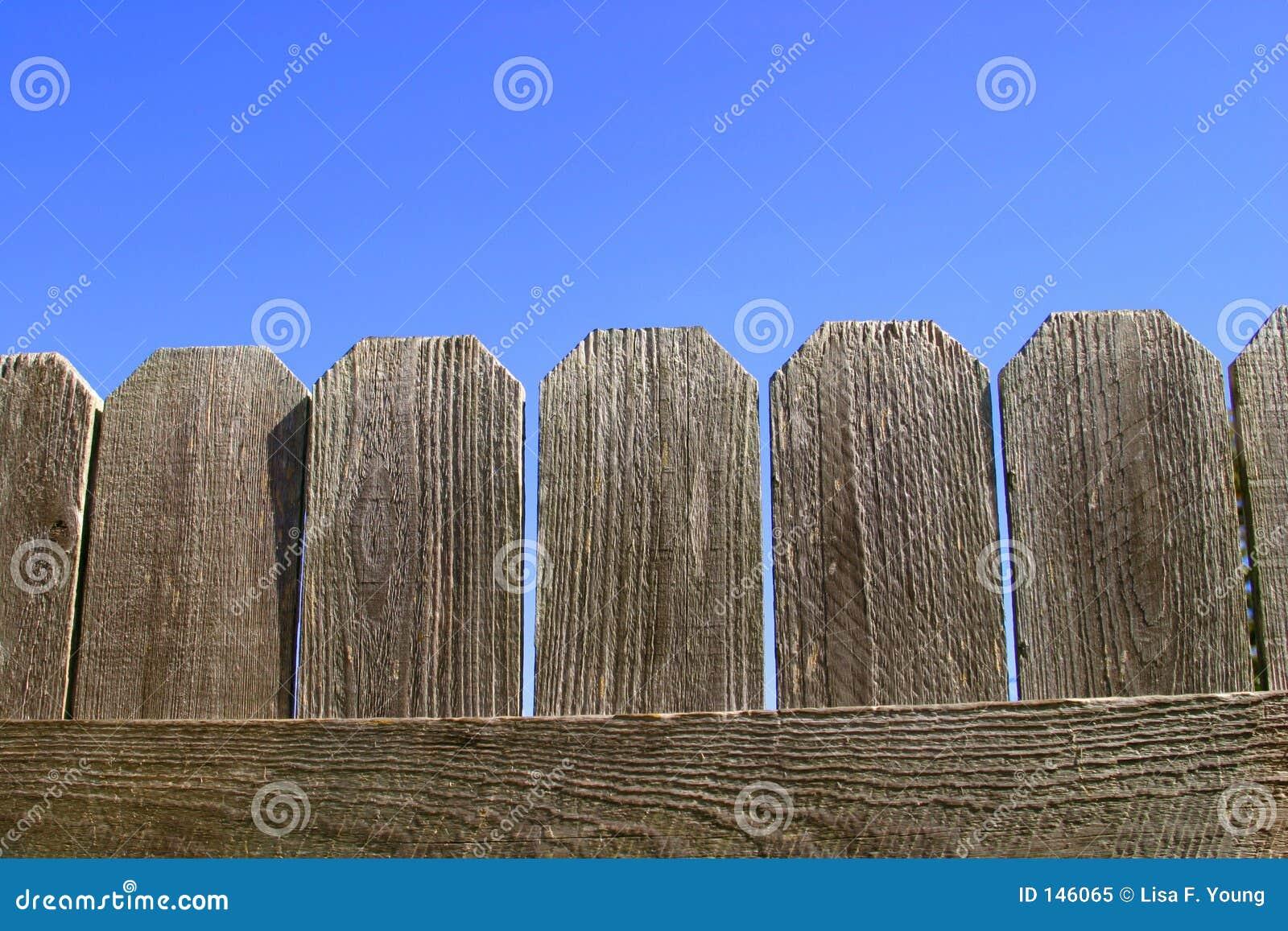 Plan rapproché en bois de frontière de sécurité